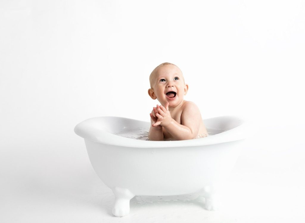 enfant au bain hydrolat